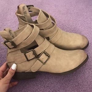 Just fab booties size 8 NEW
